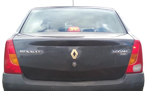 Задние фонари автомобиля Рено Логан первого поколения