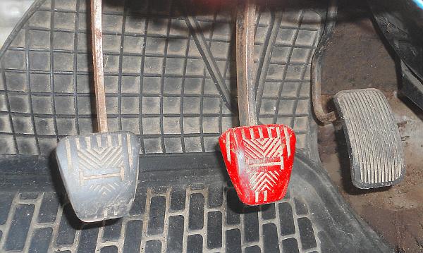 Тугая педаль тормоза, причины неисправности